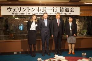 19P市長一行歓迎会(4人整列)